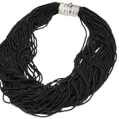 Arianna, girocollo nero